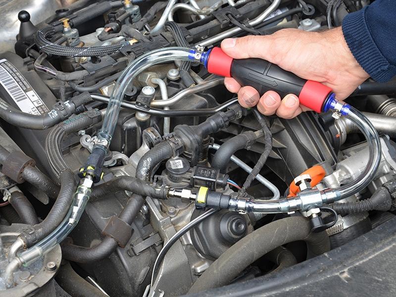 Kit spurgo filtro gasolio completo di pompa e connettori for Filtro per cabina di fusione ford