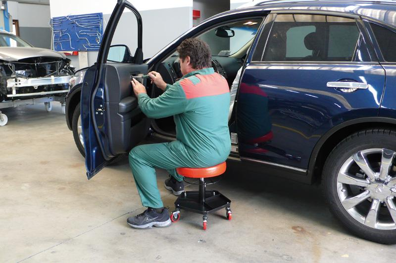 Sgabello girevole con rotelle e regolabile in altezza foxcar